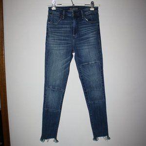 A&F Signature High Rise Super Skinny Jeans